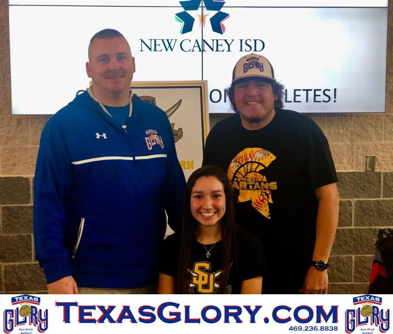 Review image from Porter's Jessey Nunez signs her Southwestern University NLI.